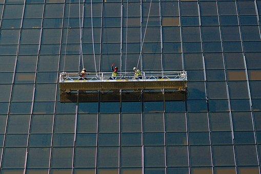 commercial window cleaner Brisbane