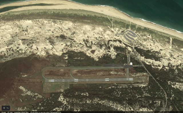 Screen Shot 2021 09 10 at 12.56.19 PM 640x395 - Cape Air Cessna 402 Crashes On Landing In Provincetown