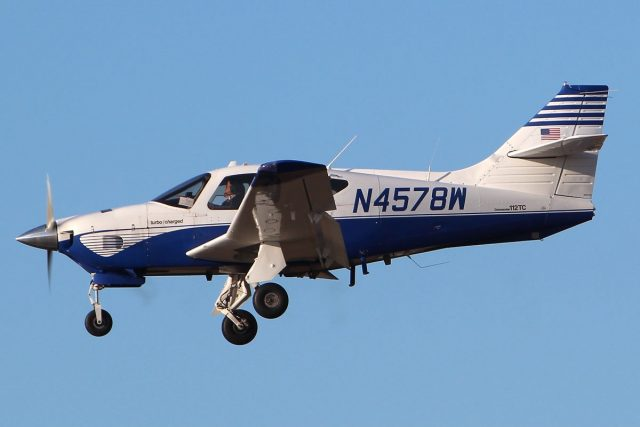 commander 112 640x427 - Six Light Single-Engine Planes They Totally Need to Bring Back!