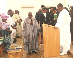 Obasanjo prays for Jonathan and the nation at the Aso Rock chapel today