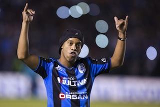 Unveiled: Ronaldinho is introduced to Queretaro fans