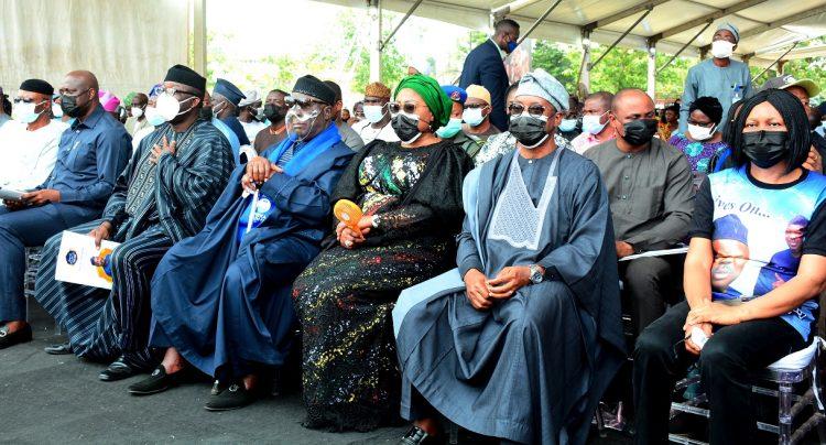 Oyetola, Dr. Joe-Oke-Odumakin and others at the funeral of Yinka Odumakin