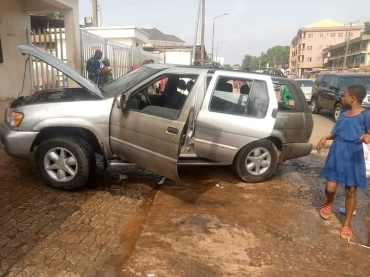 one of the cars damaged by Biafra flag bearing  gunmen at Anambra bank