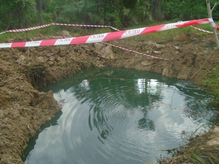 Oil spill  from Shell pipeline in Ikarama Community in Bayelsa