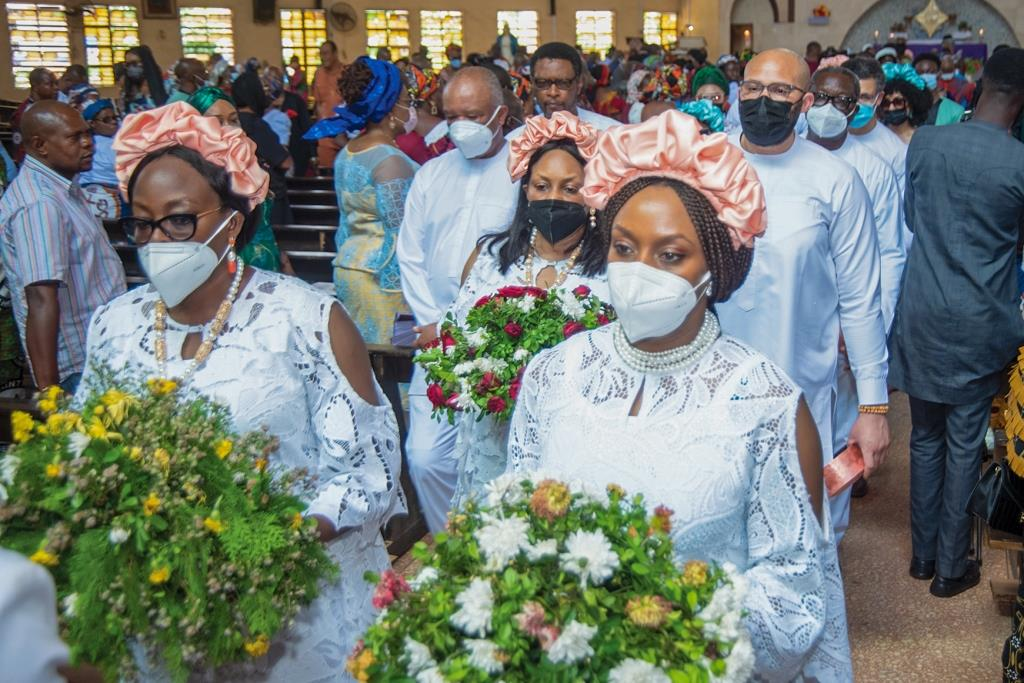 Chimamanda Ngozi Adichie and her siblings at the burial of their mother