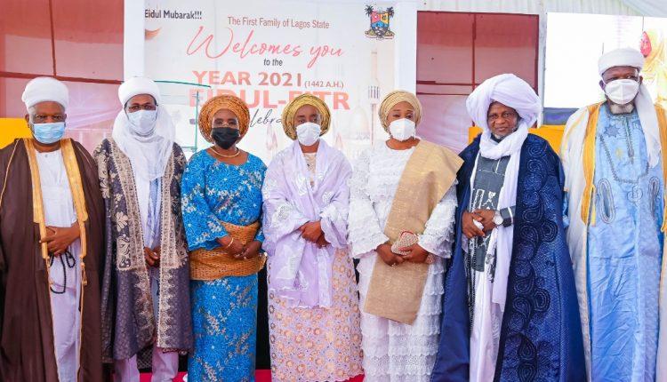 Ibijoke Sanwo-Olu, Oluremi Hamzat, Folashade Jaji and Muslim clerics at the event