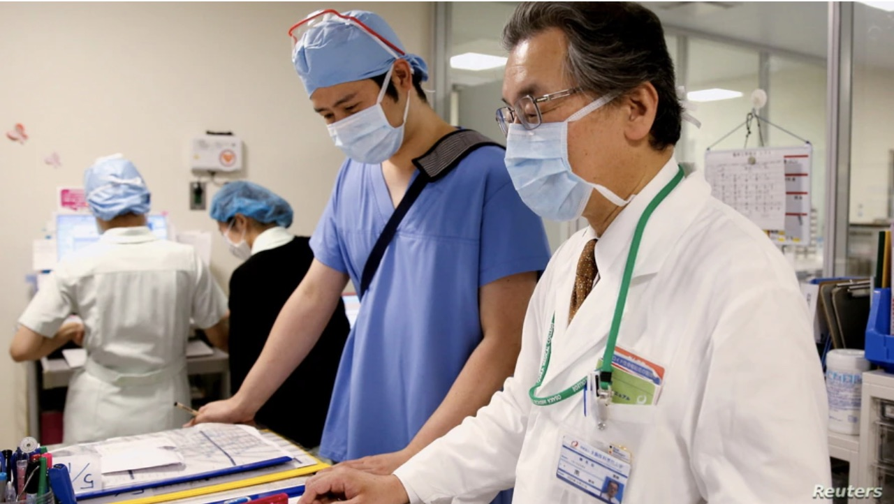 hospitals in Osaka near collapse overburdened by COVID-19 surge