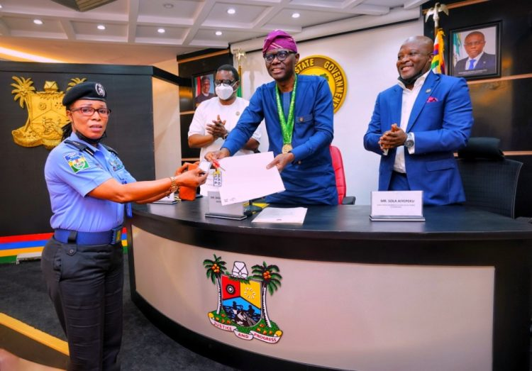 25 years after: Sanwo-Olu gifts 1996 Olympic Gold medalist, Chioma Ajunwa house