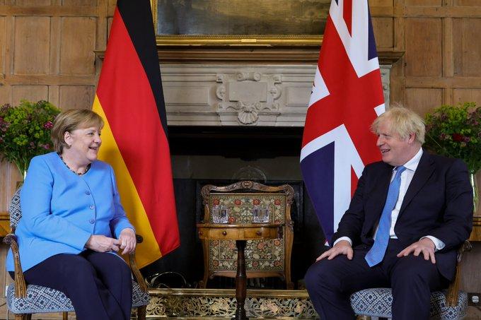 Boris Johnson and Angela Merkel: No agreement on Wembley crowd and COVID