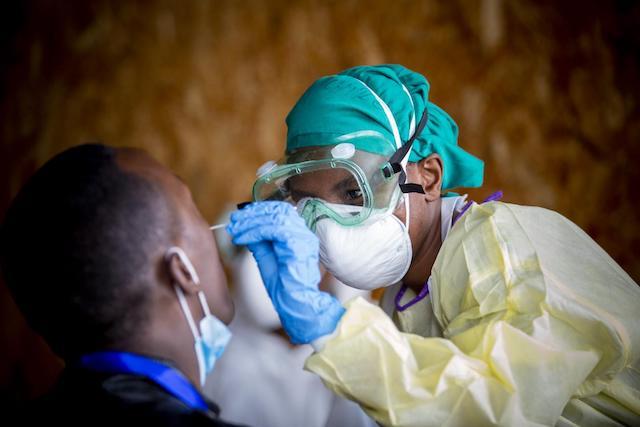 Rwanda tests for COVID-19. WHO photo