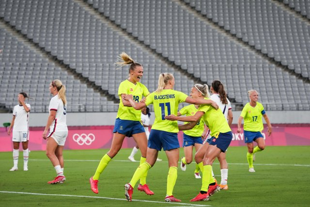 Sweden stun world champions U.S in Olympics Women football