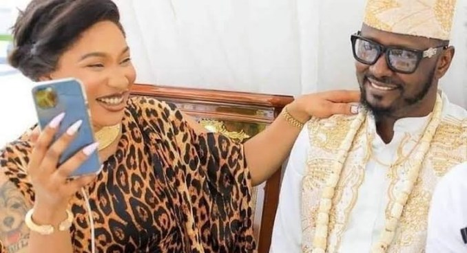 Tonto Dikeh and lover Kpokpogri while they were still enjoying their love affair.