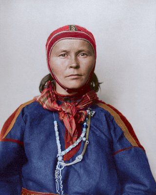 Colourised photos from history image 19