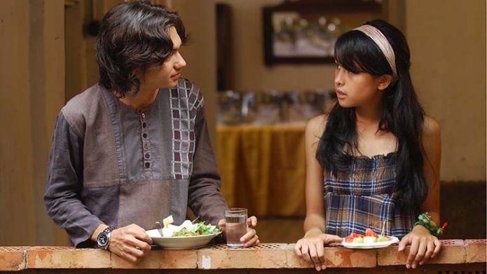 10 Film Indonesia Romantis yang Layak Ditonton Ulang