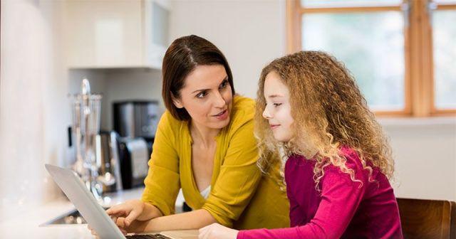 Image result for mendengarkan anak bercerita