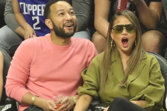 Chrissy Teigen Calls John Legend a B*tch On Twitter - Fans Shocked At Disrespect In Public! - Chrissy Teigen Calls John Legend a B*tch On Twitter - Fans Shocked At Disrespect In Public!