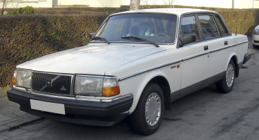 Volvo_240GL_front_20090203