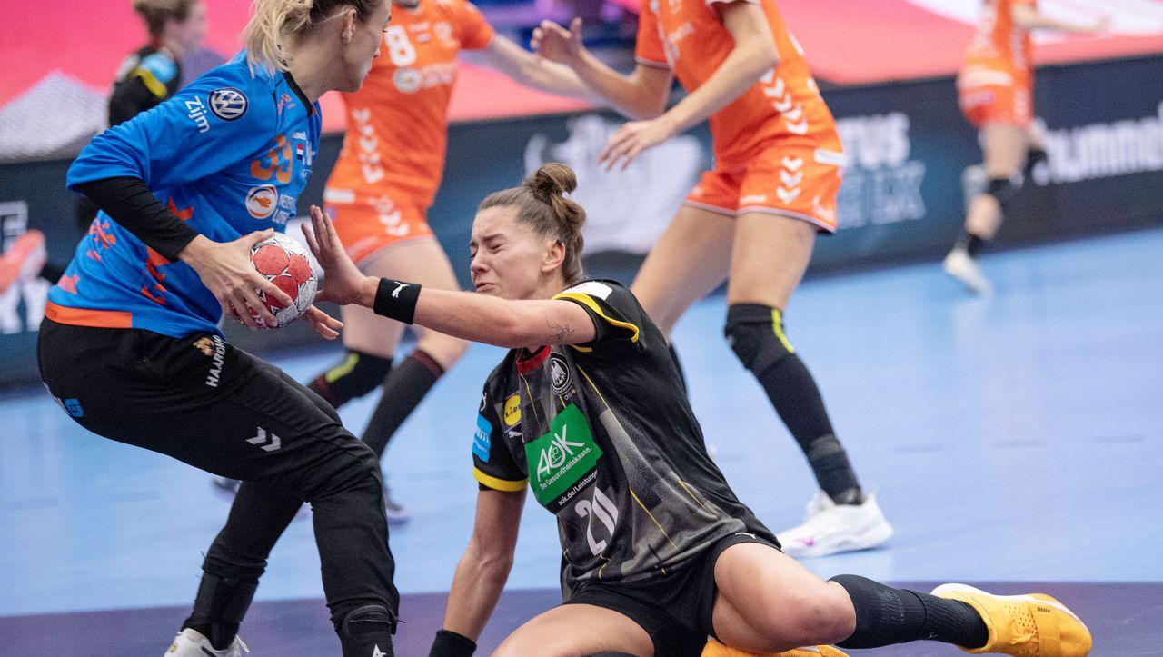 https www spiegel de sport handball handball em deutschland verliert gegen die niederlande und hofft auf das halbfinale a 41a8a78b 48e9 41f5 a63a b29c0740aeb4