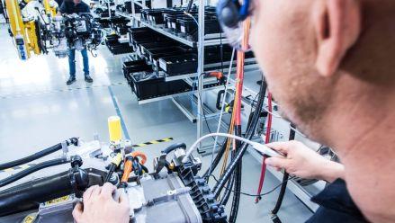 Daimler und Volvo bauen Wasserstoffantrieb für Lkw