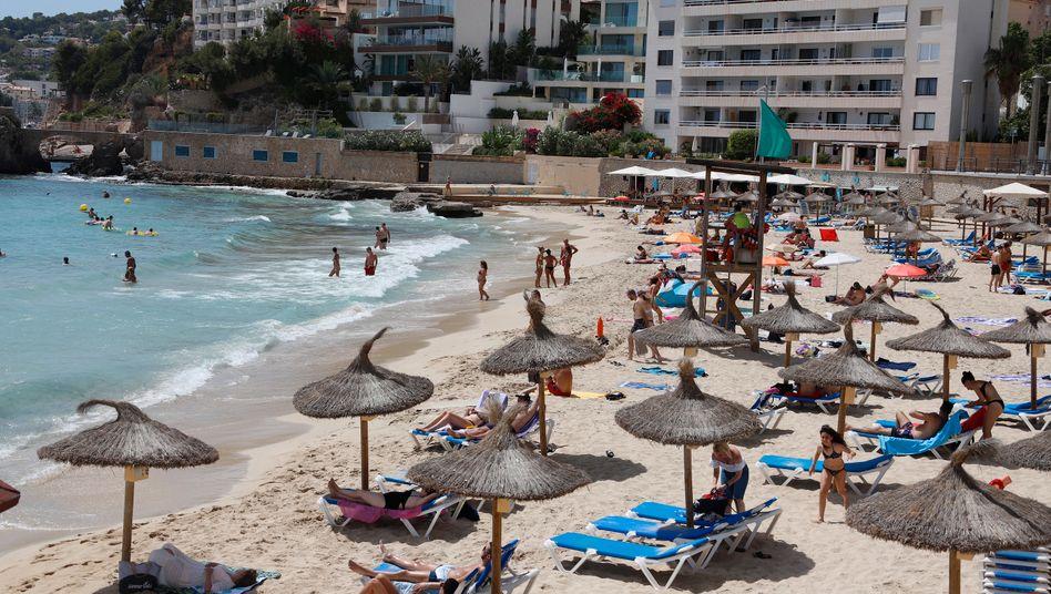 corona tourismusbeauftragter halt sommerferien im ausland fur moglich der spiegel