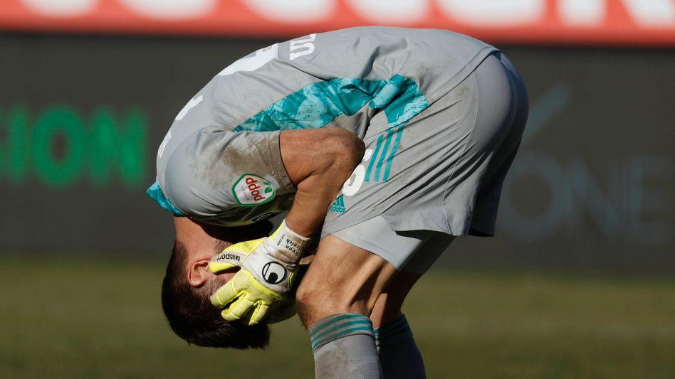 https www spiegel de sport fussball hamburger sv vor derby gegen fc st pauli die verunsicherten a e8b34939 982a 4159 81b2 d5e2cb42c9bc