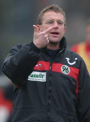 https www spiegel de sport fussball fussball bundesliga rangnick neuer trainer auf schalke a 320423 html