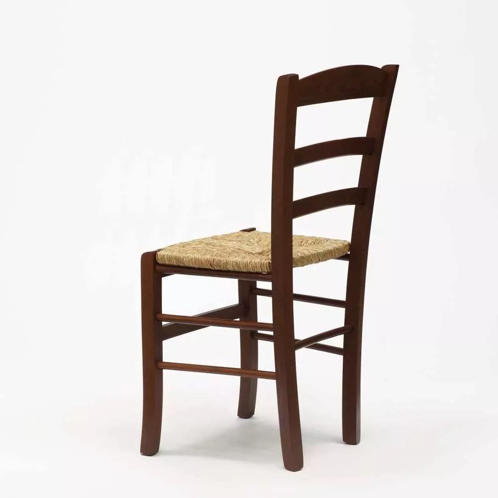 chaise en bois et assise en paille salle a manger et restaurant paesana