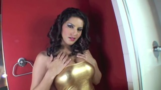 Sunny Leone showing her wet_pussy in close up Preview Image