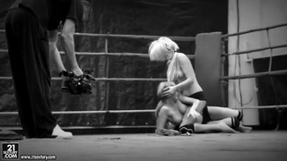 Black-and-white catfight video waits for you Preview Image