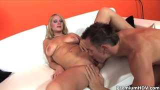 Hot busty blonde Tammy gets boned by muslced_stud Preview Image