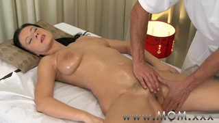 MOM Brunette has the massage_of her life Preview Image