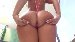 Big ass Kelsi Monroe_wearing a thong bikini and a butt plug Preview Image