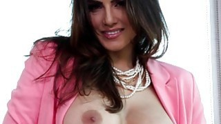 Sunny_Leone_wearing_pink Preview Image