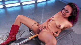 Catch squirting legend Anne's jet of cum Preview Image