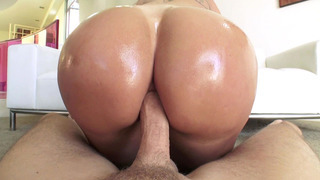 Big ass mama Ryan Conner taking his throbbing shaft in her both holes Preview Image
