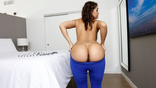 Amazing black booty in yoga pants Preview Image