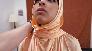 A delicious Arab babe gives an amazing_blowjob before gets her pussy banged Preview Image