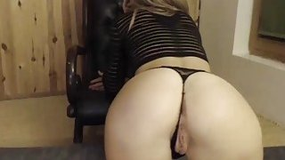 Skinny Horny_Blonde Teasing Her Fans By Showing Her Perfect Ass On Cam Preview Image
