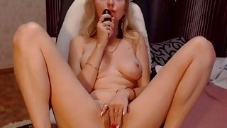 Sweet Blonde Babe_Toying_and Fingers Pussy on Cam Preview Image