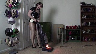 Bondage and restrain fetish video with a maid Preview Image