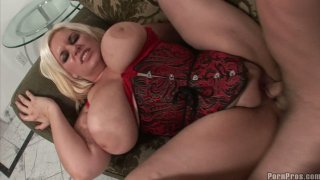 Fat blonde in lingerie Tiffany Blacke gives_amazing titjob Preview Image