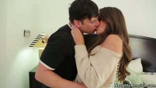 Curious dude finds out secrets of Allie Haze and eats her pussy Preview Image
