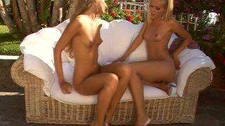 Blonde slut Sophie Moone makes Cayenne Klein cum hard using vibrator Preview Image