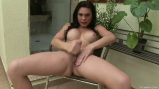 Shemale bitch Ana Paula Samadhi jerks her juicy_cock Preview Image