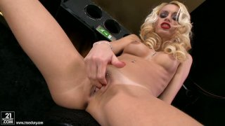 Lascivious blonde gal Erica Fontes harshly fingers her_twat Preview Image