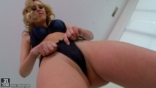 Classy blonde strumpet Brett Rossi jiggles with her boobies on cam Preview Image