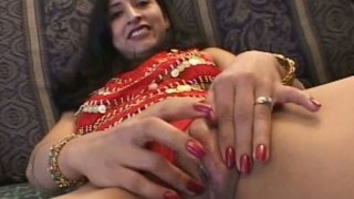Zealous Indian slut Chandra has nothing against sucking two cocks at once Preview Image