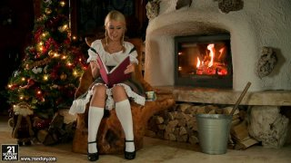 Horny blonde housewife Nikky Thorne dreams about cock for Christmas Eve Preview Image