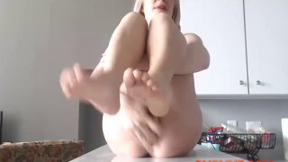You_Can_Control_the_OMBLIVE_Vibe_Toy_so_This_Blonde_Pussy_EXPLODE_SQUIRT Preview Image