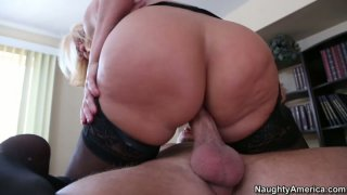 Sluttish cougar boss Mellanie Monroe fucks her young subordinate_right in the_office Preview Image